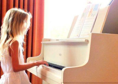 Klaviermaedchen2-2
