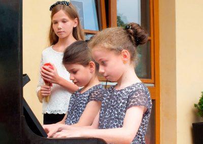 Klaviermaedchen3-2